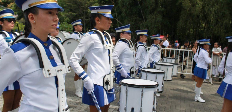 Rectora entrega instrumentos por más de 18 Millones de pesos